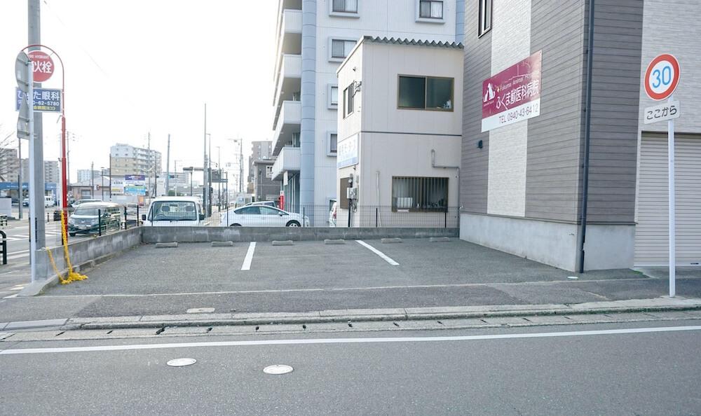 ふくま獣医科病院第一駐車場